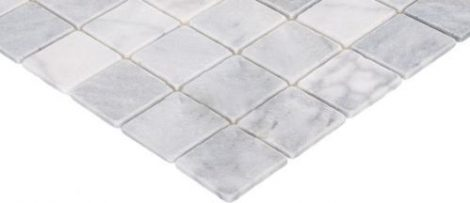 valge marmorist mosaiik
