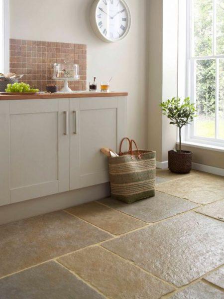 Tekstuursed köögi põranda plaadid