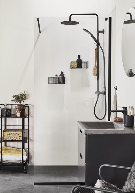 Skandinaavia vannituba, dušisein Frost DV, vannitoamööbel Studio