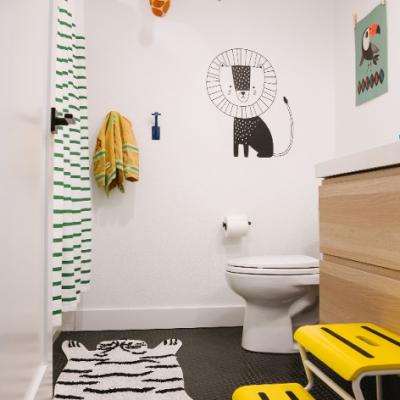 värviline lapsesõbralik vannituba