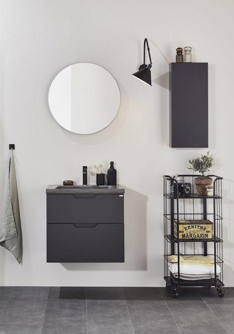Rootsi vannitoamööbel Studio, betoon valamu ja musta värvi segisti